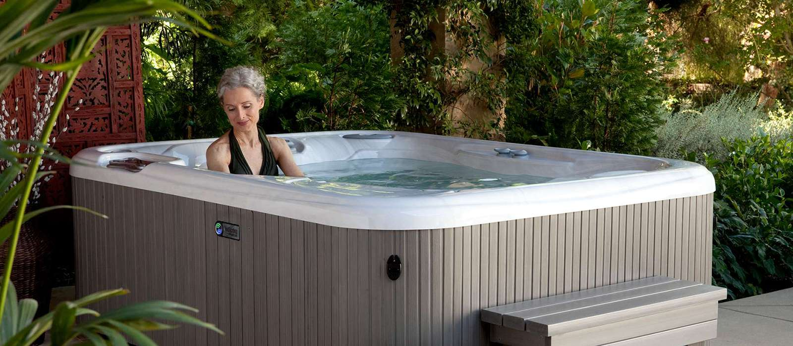 Jetsetter 3 person hot tub