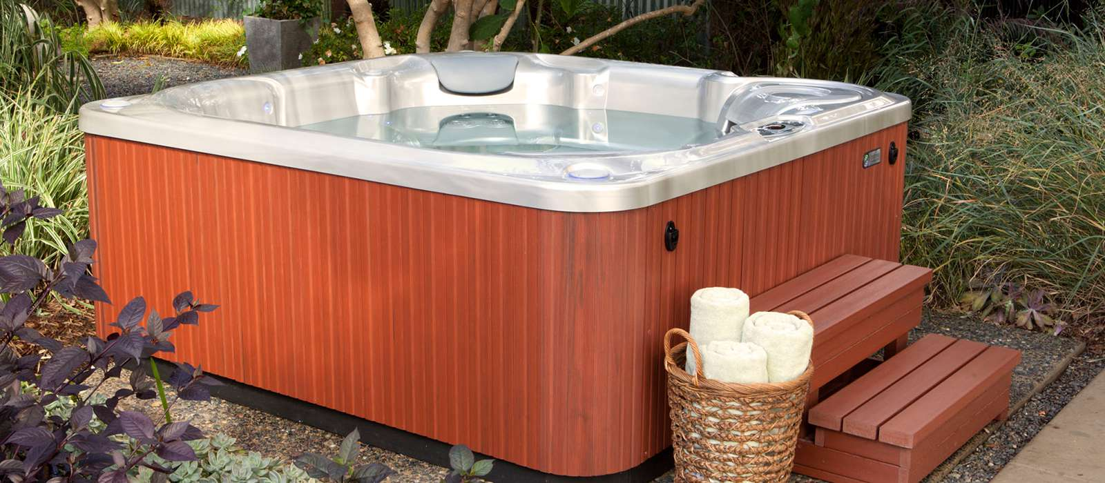 Bolt 4 person Hot Tub
